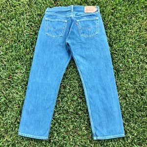 501 Levi's 34 W button fly Jeans